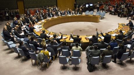 Le Conseil de sécurité de l'ONU adopte  à l'unanimité une résolution sur un cessez-le-feu en Syrie