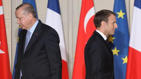 Syrie : Macron rappelle à Erdogan que le cessez-le-feu concerne aussi l'enclave kurde d'Afrin