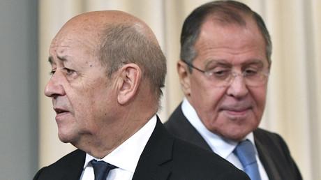 Jean-Yves Le Drian et Sergueï Lavrov lors d'une précédente rencontre en septembre 2017, photo ©Mladen ANTONOV / AFP
