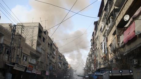 De la fumée s'échappe d'un bombardement dans la zone de la Ghouta, illustration