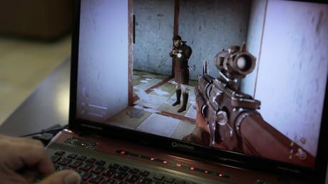 Photo de l'une des séquences du jeu vidéo intitulé «Défense sacrée»