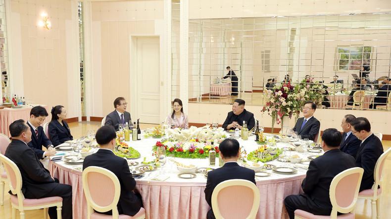 Le rapprochement des deux Corées se poursuit : Kim Jong-un reçoit des diplomates à dîner