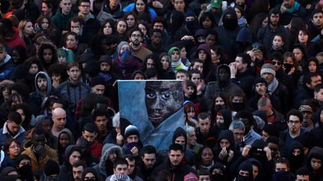 Une violente manifestation agite Madrid après la mort d'un migrant sénégalais (VIDEOS)