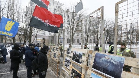 «Ingérence directe» : l'Ukraine empêche les Russes de voter à l'élection présidentielle (PHOTOS)