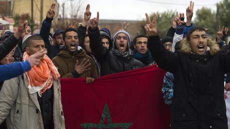 Des Marocains prennent part à une manifestation dans l'ancienne ville minière de Jerada, dans le nord-est du pays