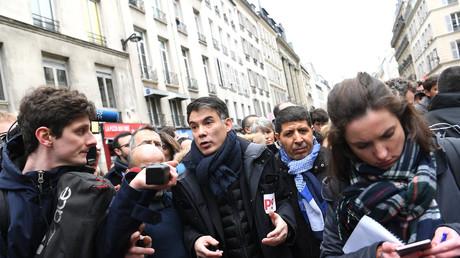 Olivier Faure, nouveau patron du PS obligé de quitter la manifestation du 22 mars sous les huées.