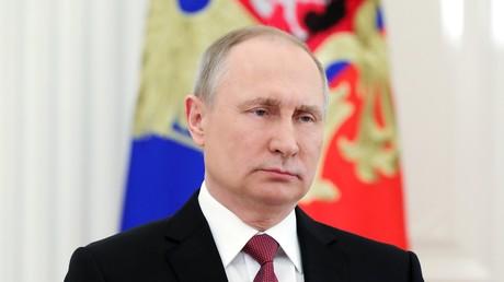 Poutine à ses opposants : «Les discussions sont nécessaires» mais «le populisme n'y a pas sa place»