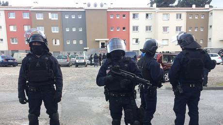 Intervention de sécurisation de la BRI dans la cité d'Ozanam,à Carcassone, où vivait le terroriste Redouane Lakdim, le 23 mars 2018