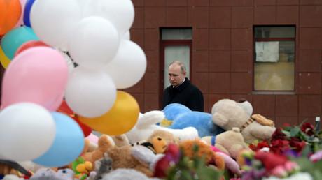 En visite à Kemerovo après le drame, Poutine évoque une «négligence criminelle»