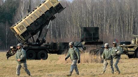 La Pologne signe un contrat de 3,8 milliards d'euros pour l'achat de missiles américains Patriot