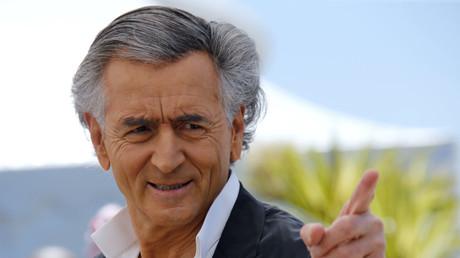 BHL vole au secours de Nicolas Sarkozy et défend une «guerre juste» en Libye