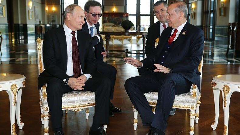 Poutine et Erdogan lancent la construction de la première centrale nucléaire en Turquie