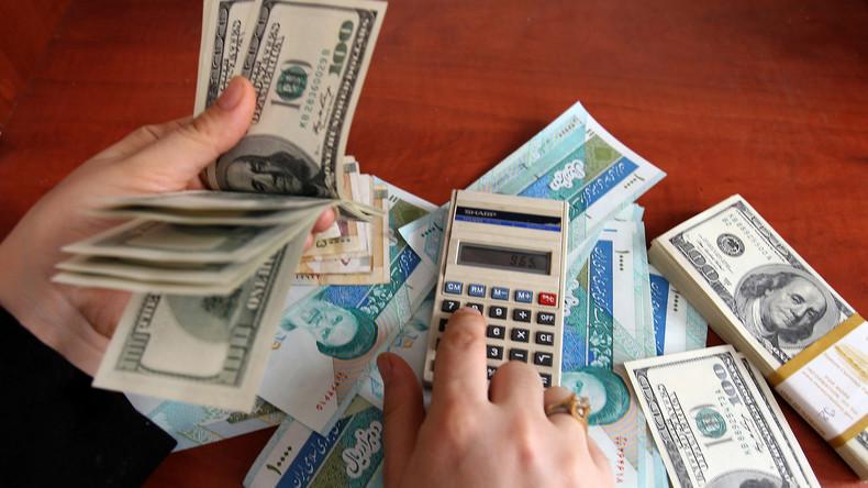 Contre l'embargo américain, l'Iran bannit le dollar de ses échanges commerciaux — RT en français