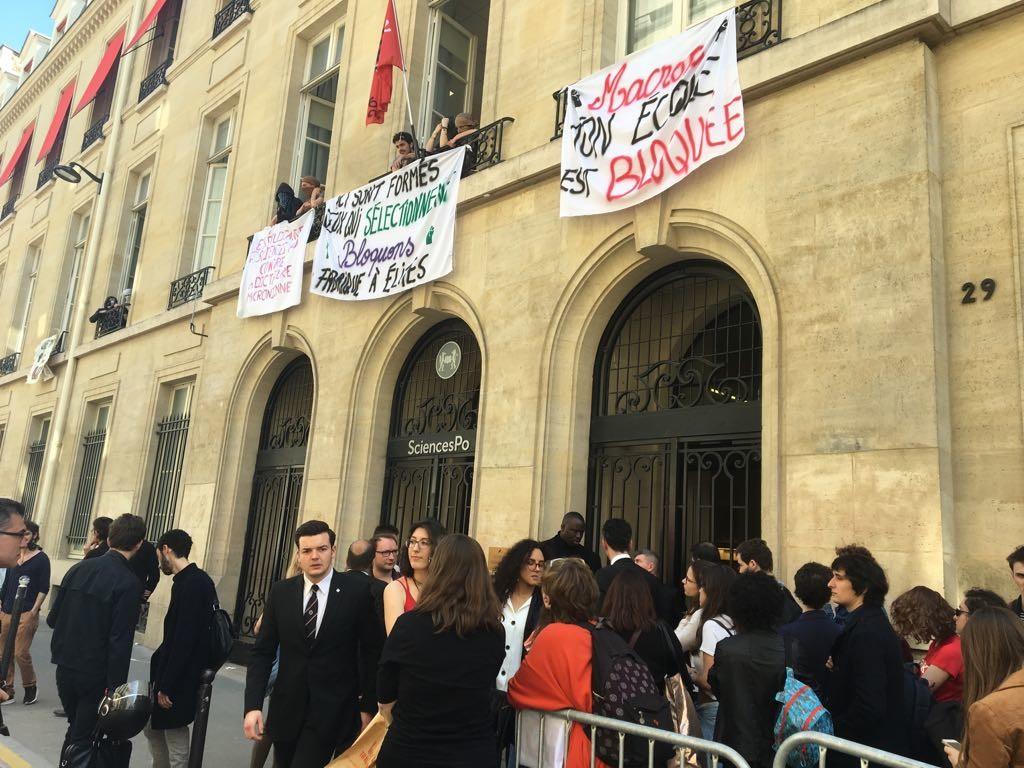 SciencesPo Paris occupé «contre la dictature macronienne»