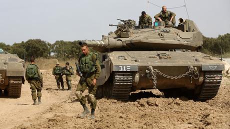 Des soldats isriéliens montent la garde le long de la frontière entre Israël et la bande de Gaza, le 4 mai 2016 (Illustration)