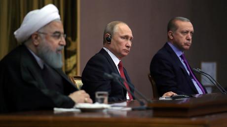 Hassan Rohani Vladimir Poutine et Recep Tayyip Erdogan en novembre 2017 à Sotchi, photo ©Sputnik/Reuters