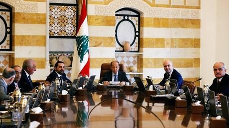 Le Président du Liban, Michel Aoun (au centre), dirige une réunion du Conseil des ministres au palais présidentiel de Baabda, sur les hauteurs de Beyrouth, le 19 février 2018 (illustration).