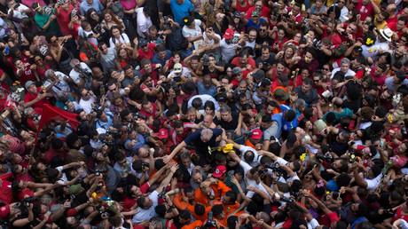 Lula en prison : de Mélenchon à Morales, la gauche dénonce un «coup d'Etat judiciaire»
