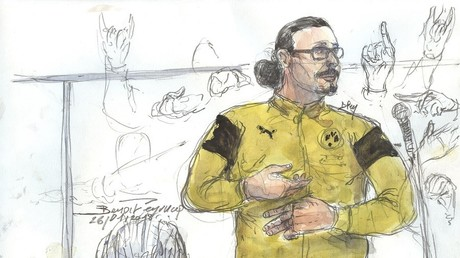 Croquis d'audience créé au Palais de justice à Paris le 26 janvier 2018 montrant jawad bendaoud gesticulant pendant son procès (Illustration)