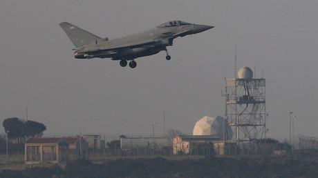 Un avion militaire français dans une base britannique à Chypre, le 14 avril 2018 (illustration)
