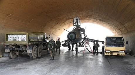 Un MiG 21 de l'armée de l'air syrienne dans une base militaire de Syrie. (image d'illustration)