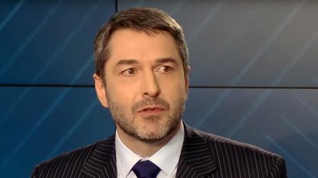 «Emmanuel Macron vient de s'offrir sa première humiliation internationale», selon Xavier Moreau