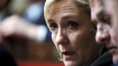 Frappes en Syrie : Marine Le Pen fustige le mandat «autoritaire» d'Emmanuel Macron (ENTRETIEN)