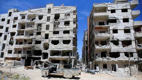 Un bâtiment endommagé à Douma dans la banlieue de Damas, le 16 avril 2018.