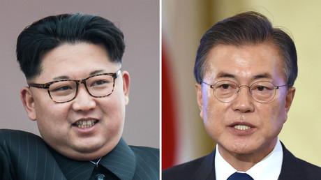 Le dirigeant nord-coréen Kim Jong Un à gauche,  et le président sud-coréen Moon Jae-In à droite