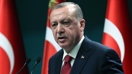 Turquie : Recep Tayyip Erdogan convoque des élections anticipées et brigue un nouveau mandat