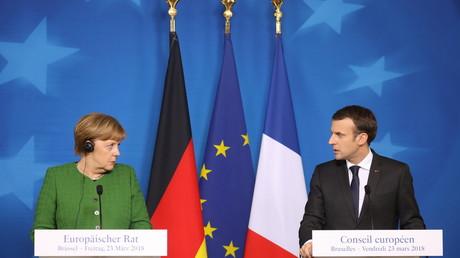 Angela Merkel et Emmanuel Macron, lors d'une conférence de presse conjointe, le 23 mars 2018 à l'issue de la réunion de printemps du conseil européen (illustration).