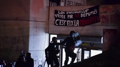 Les forces de l'ordre ont évacué la faculté de Tolbiac dans le calme le 20 avril, selon la préfecture de police