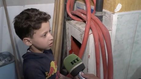 Le père d'un des enfants filmés à Douma : «J'ai vu la vidéo et j'ai rigolé» (VIDEOS EXCLUSIVES)