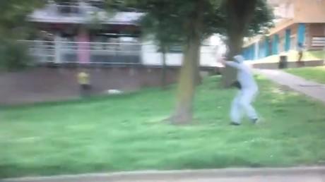 «Des jeunes Arabes et des pierres» : une équipe TV belge caillassée en banlieue de Bruxelles (VIDEO)