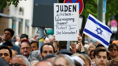Des centaines de manifestants vêtus d'une kippa se rassemblent à Berlin (PHOTOS)