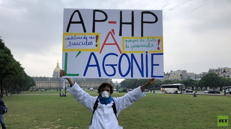 Marée Blanche : les hospitaliers en détresse manifestent à Paris (REPORTAGE)