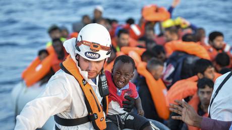 Deux pilotes français achètent un avion pour voler au secours des migrants en Méditerranée
