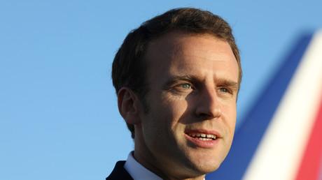 Emmanuel Macron est de plus en plus populaire à droite