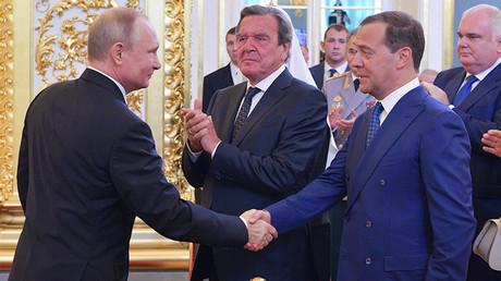 Vladimir Poutine propose Dmitri Medvedev comme Premier ministre