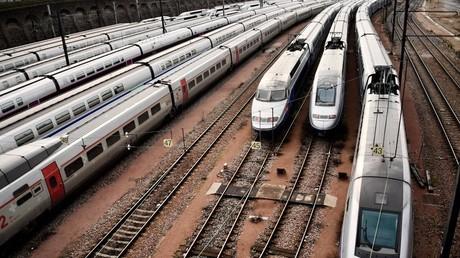 Des TGV stationnent gare de Lyon le 4 avril 2017. Image d'illustration