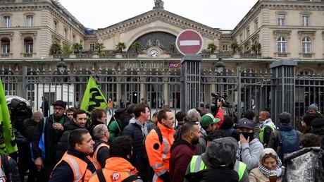 Grévistes devant la gare de l'Est le 14 mai 2018, photo ©Eric FEFERBERG / AFP