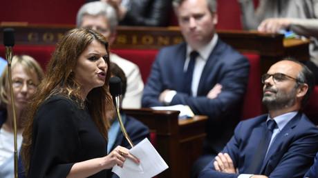 La secrétaire d'Etat chargée de l'Egalité entre les femmes et les hommes Marlène Schiappa dans l'hémicycle de l'Assemblé nationale le 15 mai 2018 à Paris.