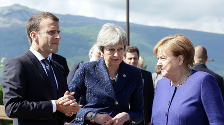 Emmanuel Macron, ici avec Theresa May et Angela Merkel, assure que Paris Londres et Berlin sont unis dans leur volonté de préserver le cadre de l'accord iranien