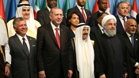 Recep Erdogan lors du sommet avec le roi Abdallah II de Jordanie, l'émir du Koweït Sabah al-Ahmad al-Jabir al-Sabah et le président iranien Hassan Rohani