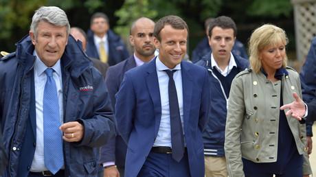 Philippe de Villiers, Emmanuel Macron et son épouse au Puy-du-Fou, août 2016, illustration