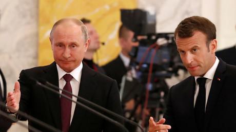 Syrie : au côté de Poutine, Macron insiste sur les «principes communs» aux deux pays