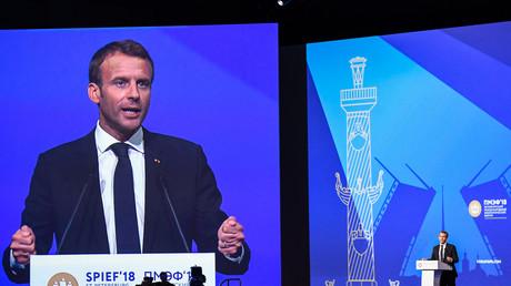 Macron se veut confiant quant à l'avenir des relations économiques franco-russes