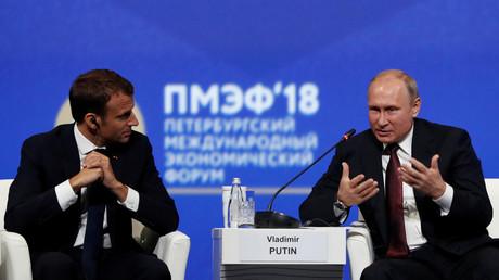 «Quand la confiance se perd, elle peut mener au pire» : Macron au Forum de Saint-Pétersbourg