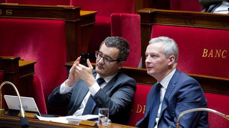 Gérald Darmanin et Bruno Le Maire en plein travail à l'Assemblée nationale, octobre 2017, illustration
