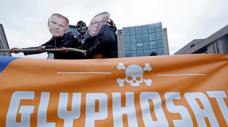 Manifestants contre l'extension de l'autorisation de la vente du glyphosate dans l'Union européenne en novembre 2017 à Bruxelles.